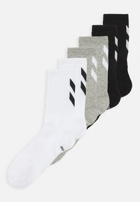 white/black/grey melange