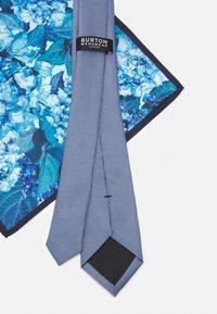 Burton Menswear London - GEO TIE FLORAL HANKIE SET - Solmio - blue - 4