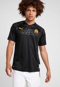 Puma - OLYMPIQUE MARSEILLE - Club wear - puma black/orange popsicle - 0