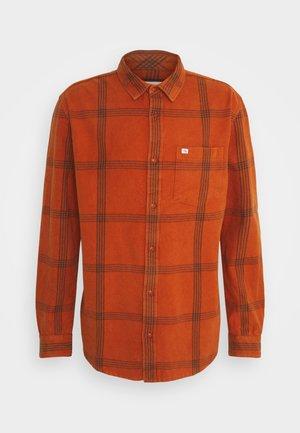 Košile - cinnamon