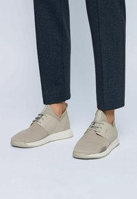 BOSS - TITANIUM - Sneaker low - light beige - 0