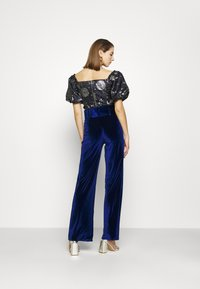 Missguided - BELTED WIDE LEG TROUSER - Trousers - navy - 2