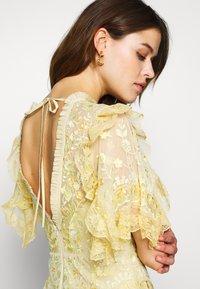 Needle & Thread - EARTH GARDEN GOWN - Společenské šaty - daffodil - 3