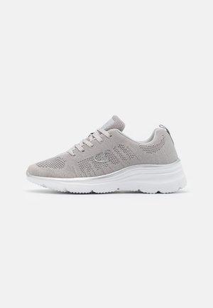 LOW CUT SHOE CHERIE 2 - Zapatillas de running neutras - silver