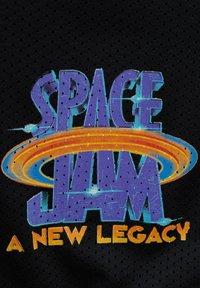 PULL&BEAR - BASKETBALL  SPACE JAM - Sports shorts - mottled black - 7