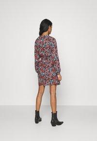 ONLY - ONLTAMARA DRESS - Denní šaty - black - 2