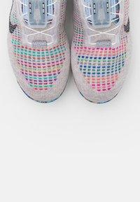 Nike Sportswear - AIR MAX VAPORMAX  - Trainers - pure platinum - 7