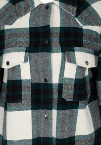 Zizzi - Short coat - green - 5