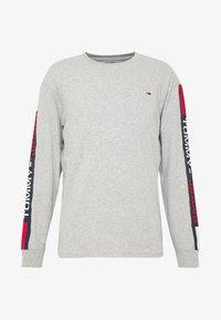 Tommy Jeans - LONGSLEEVE TAPE TEE - Langærmede T-shirts - grey - 3