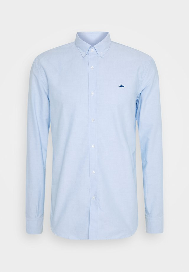 ESSENTIAL OXFORD PATCH - Camisa - light blue