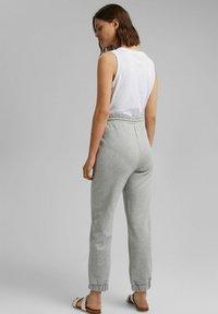 Esprit - Tracksuit bottoms - light grey - 2