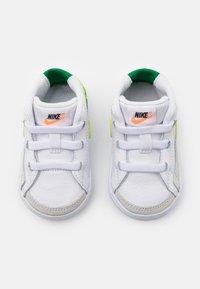 Nike Sportswear - BLAZER MID - First shoes - white/pine green - 3