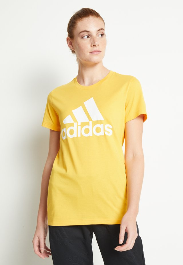 BOS TEE - T-shirt con stampa - gold
