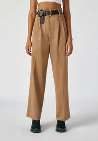 PULL&BEAR - Kalhoty - camel - 0
