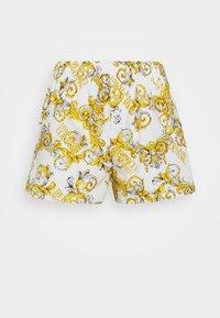 Versace Jeans Couture - Shorts - bianco ottico - 4