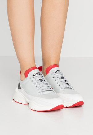 MIA LACE UP - Tenisky - white/red