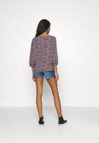 Vero Moda - VMLYDIA - Denim shorts - medium blue denim - 2