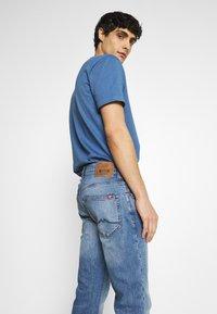 Mustang - OREGON - Bootcut jeans - denim blue - 3