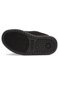 DC Shoes - Trainers - black/black/orange - 4