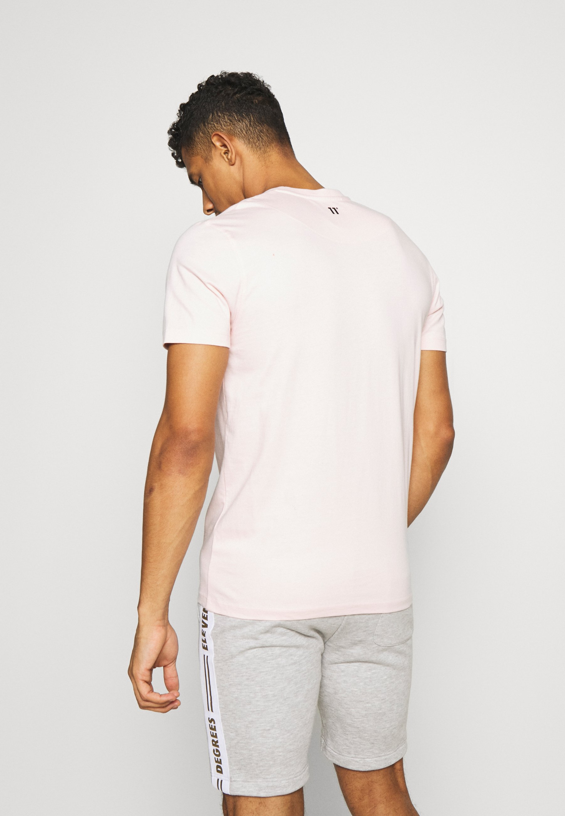 11 DEGREES CORE  - Basic T-shirt - powder pink il62q
