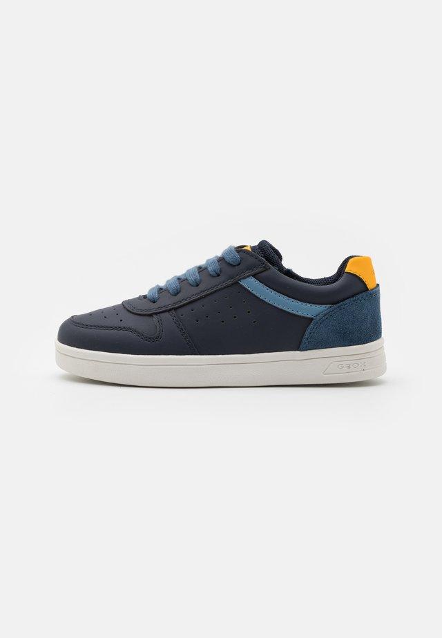 DJROCK BOY - Sneakers laag - navy/yellow