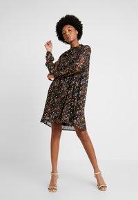 Le Temps Des Cerises - CAMELIA - Day dress - black - 2