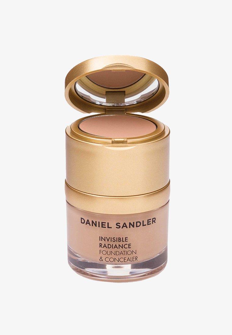 Daniel Sandler - INVISIBLE RADIANCE FOUNDATION - Fond de teint - honey