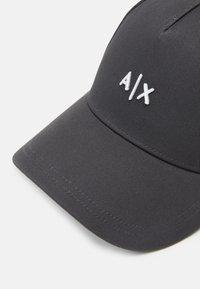Armani Exchange - BASEBALL HAT UNISEX - Casquette - phantom/white - 3