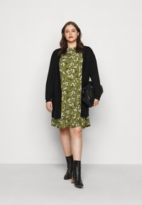 New Look Curves - AMELIE FLORAL SMOCK - Day dress - green - 1