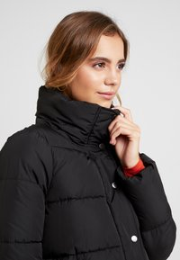 ONLY - ONLCOOL PUFFER JACKET - Zimní bunda - black - 4