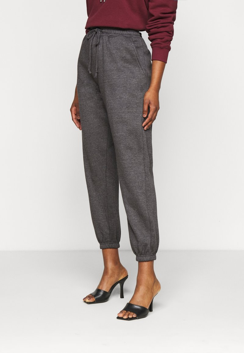 Missguided Petite - 90S JOGGERS - Tracksuit bottoms - dark grey