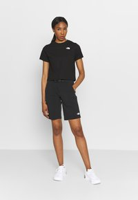 The North Face - FOUNDATION CROP TEE - T-shirts - black - 1