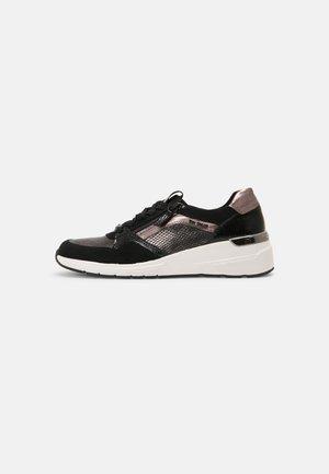 Sneakers laag - black/platin