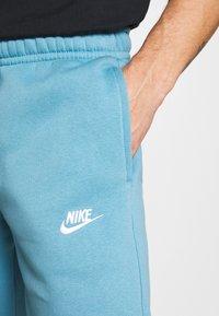 Nike Sportswear - CLUB - Tracksuit bottoms - cerulean/white - 4