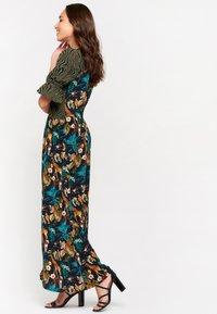 LolaLiza - AN LEMMENS - Maxi dress - khaki - 4