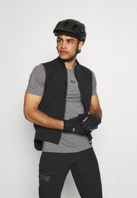 Oakley - BARK NEW - Basic T-shirt - athletic heather grey - 3
