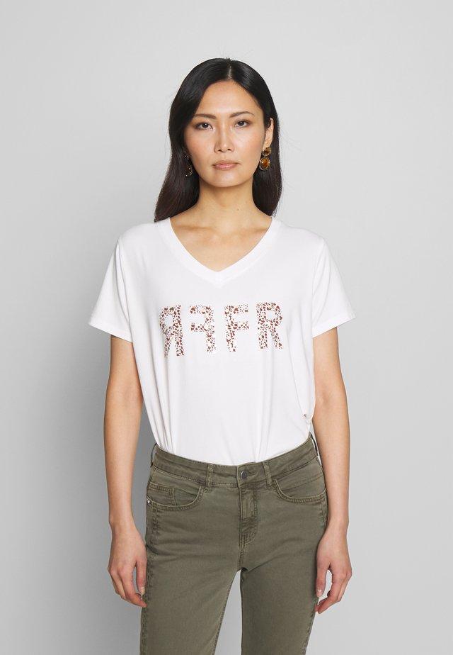 FRITAFRI  - T-shirt z nadrukiem - off white