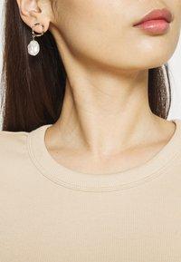 Gina Tricot - JOY - T-shirt basic - oxford tan - 5