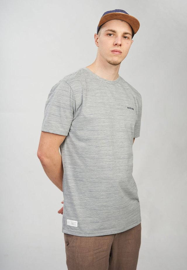 KEITH - T-shirt med print - grey melange