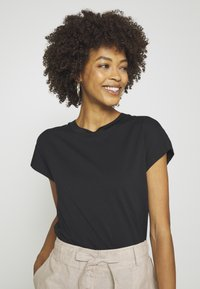 GAP - T-shirt basic - true black - 3