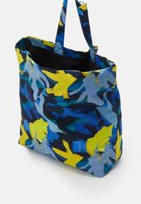STUDIO ID - TOTE BAG L - Tote bag - multicoloured/blue - 4