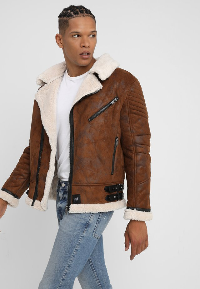 PERFECTO - Chaqueta fina - brown