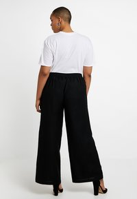 CAPSULE by Simply Be - EASY CARE WIDE LEG TROUSER - Trousers - black - 2