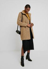 Samsøe Samsøe - HOFF - Classic coat - khaki melange - 1