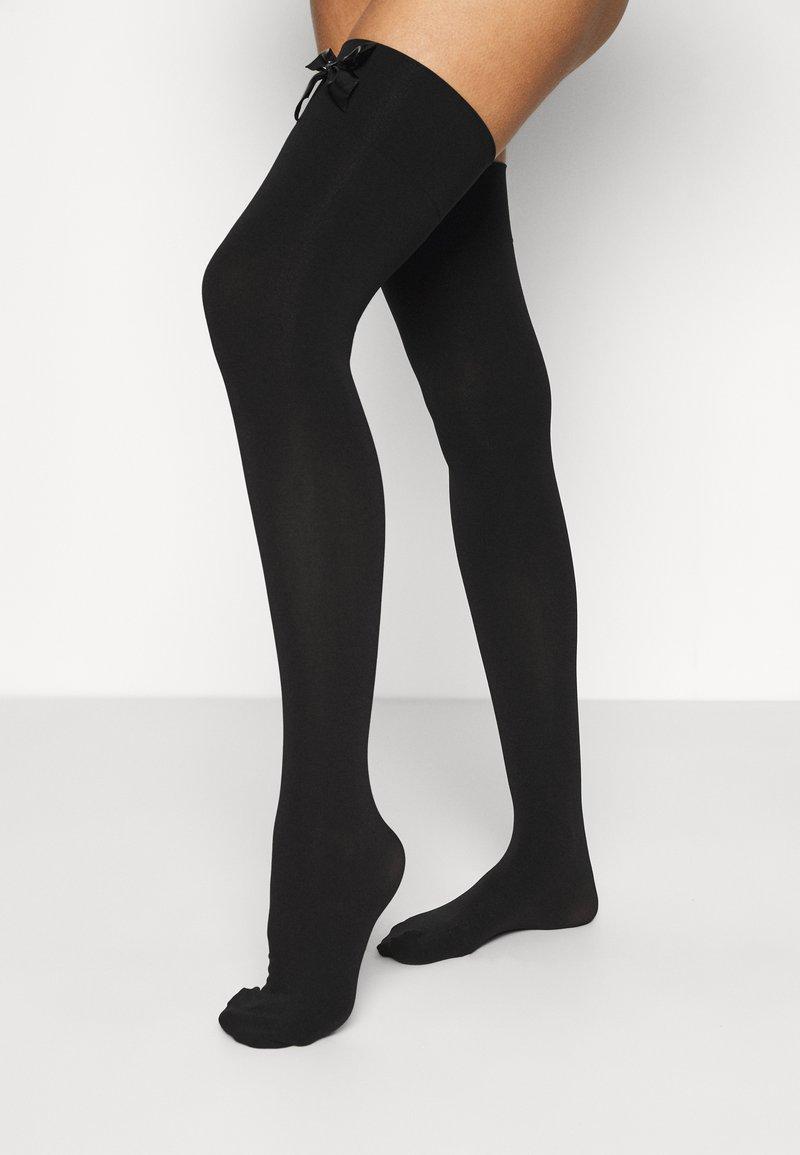 Ann Summers - HIGH SHINE BOW OVER THE KNEE - Over-the-knee socks - black