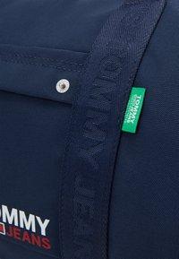 Tommy Jeans - TJM CAMPUS  DUFFLE - Weekend bag - blue - 3