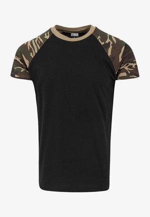RAGLAN CONTRAST  - Print T-shirt - black/ ochre