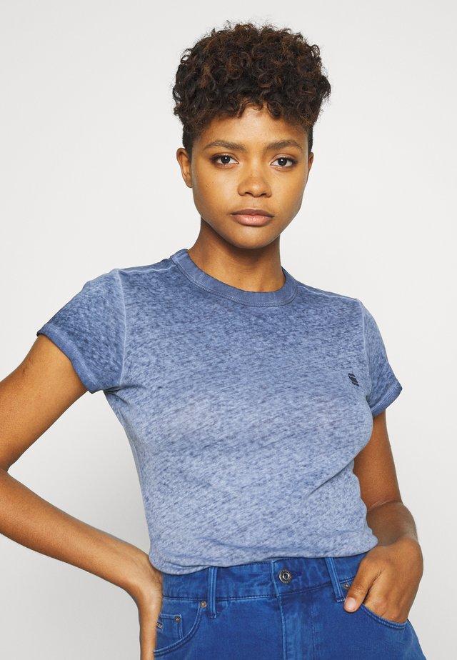 EYBER SLIM R T WMN S\S - Print T-shirt - sartho blue