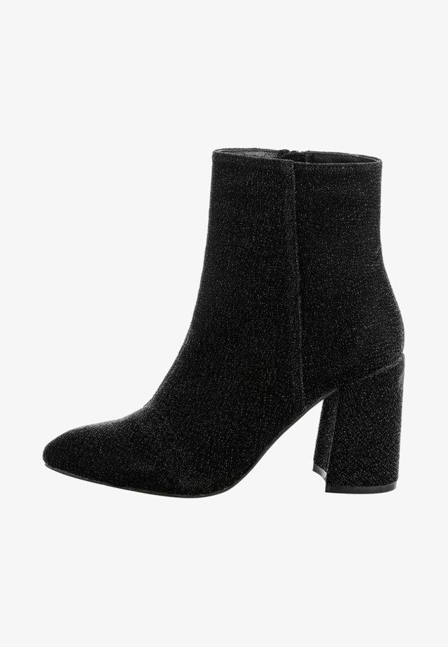 NOVARA - Højhælede støvletter - metallic black