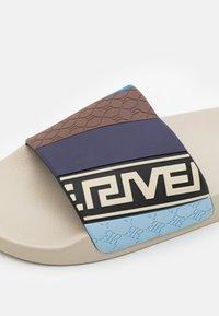 River Island - Ciabattine - stone - 5